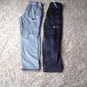 2 Nike sweatpants